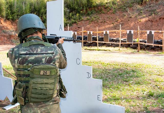 Exército prepara Oficiais e Sargentos durante o Estágio de Combate em Ambiente Urbano