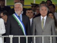 Ministro Wagner acompanha desfile de Sete de Setembro no palanque presidencial da Esplanada