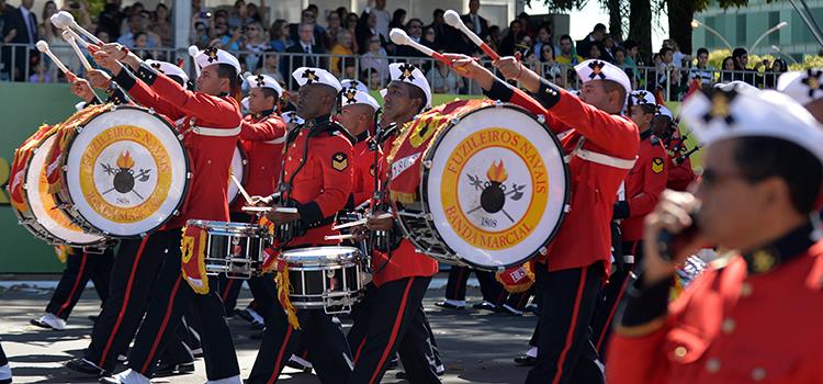 A Banda Marcial do Corpo de Fuzileiros Navais é considerada uma das maiores bandas marciais do mundo