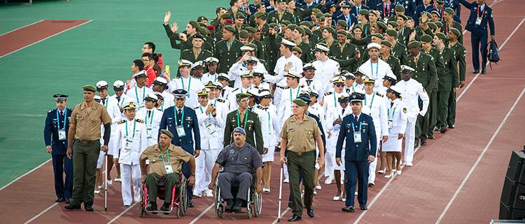 Atletas da delegação brasileira participam da cerimônia de abertura dos Jogos Mundiais Militares