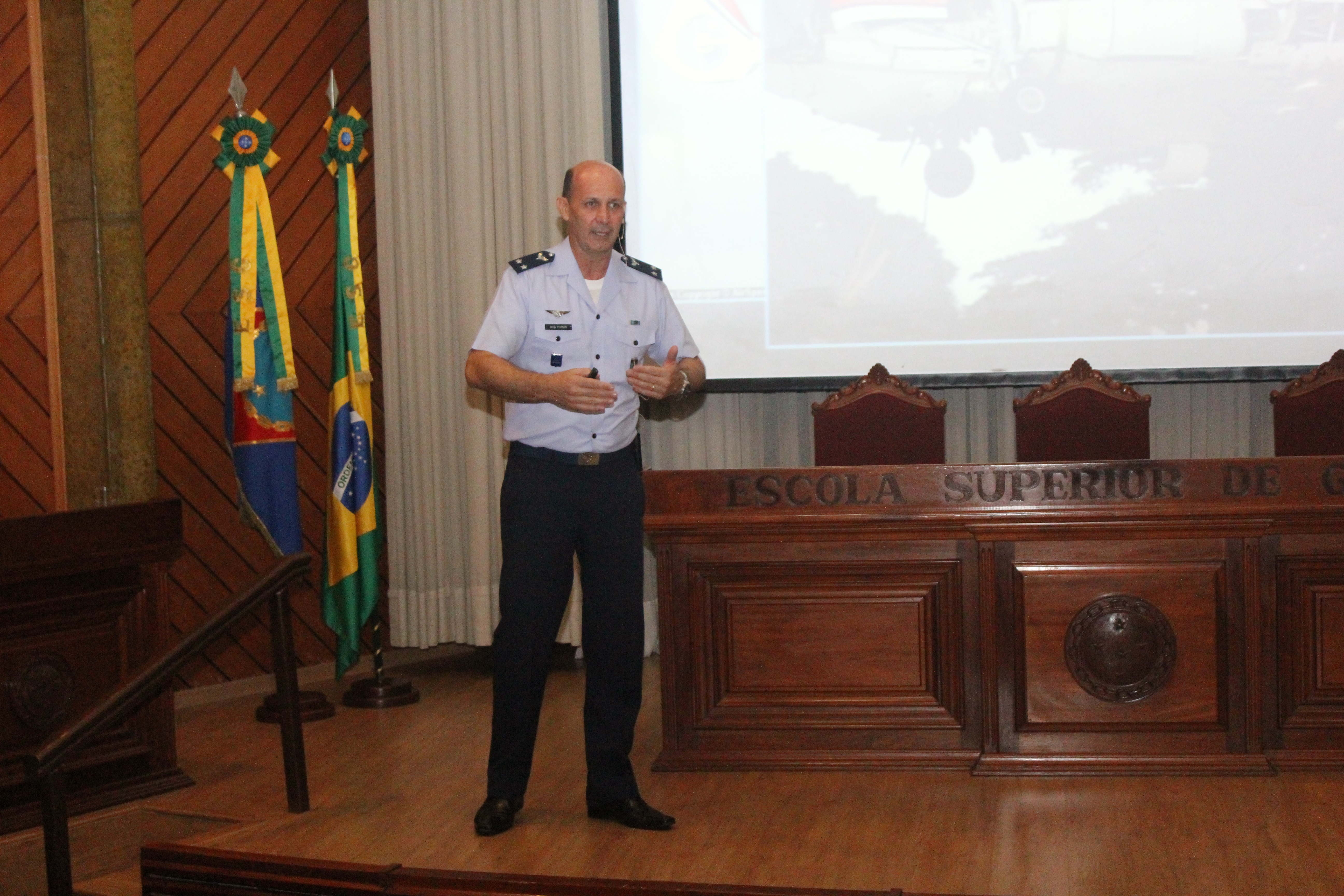 ESG Comemora Dia do Aviador e da Força Aérea Brasileira