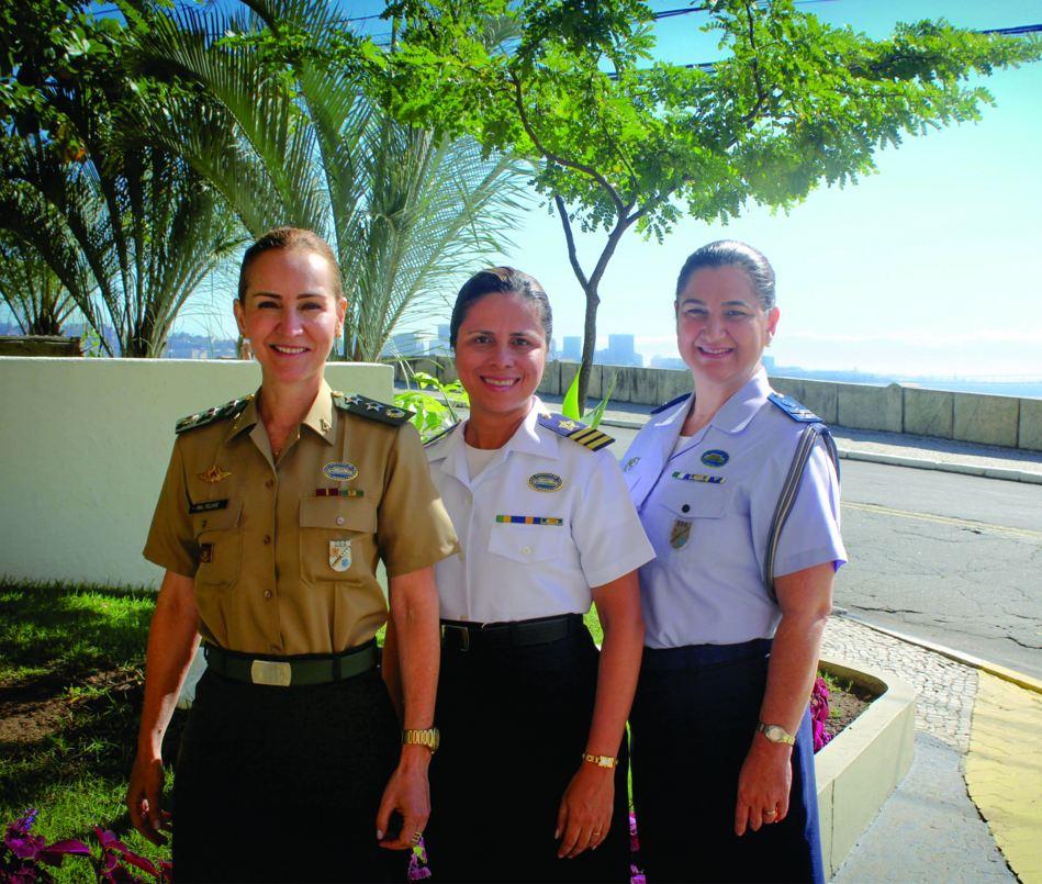 Militares da ESG Falam sobre a Mulher nas Forças Armadas