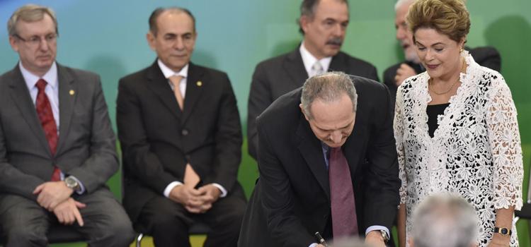 Presidenta Dilma dá posse a Aldo Rebelo como Ministro da Defesa