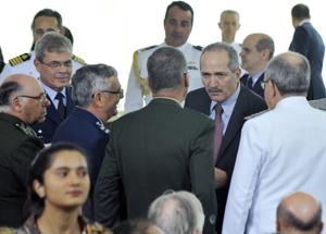 Aldo Rebelo com os comandantes das Forças