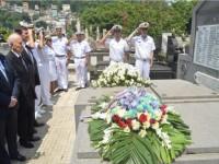 Homenagem aos ex-combatentes no Mausoléu dos Heróis Franceses