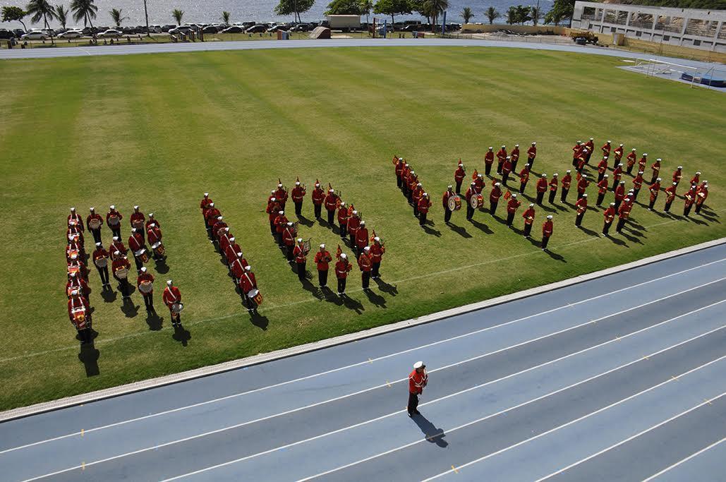 Banda Marcial do Corpo de Fuzileiros Navais realiza apresentação gratuita em homenagem ao Dia da Bandeira