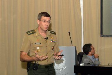 Militares debatem estrutura de defesa da Alemanha