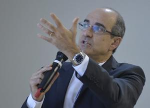 Youssef destaca a capacidade de crescimento da industria de defesa