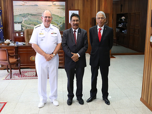 Ministro da Defesa do Timor-Leste visita Comandante da Marinha do Brasil