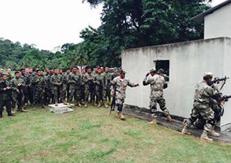 Oficinas de treinamento marcam o início da Operação Unitas Amphibious 2015