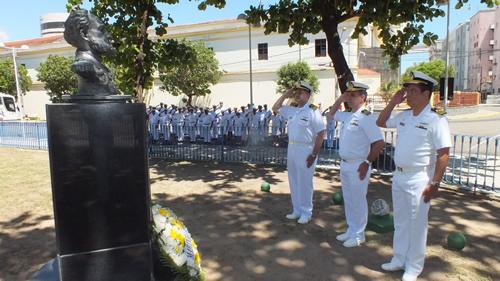 Toque de silêncio em homenagem ao Patrono da Marinha
