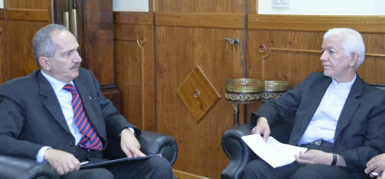 Ministro Aldo Rebelo recebe o embaixador do Irã, Mohammad Ezabadi