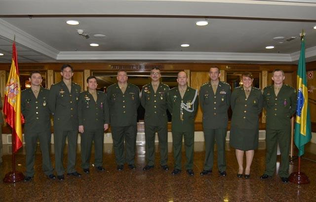 Entrega de Condecorações na Aditância de Defesa e do Exército na Espanha