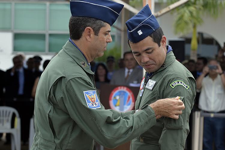 Tenente-coronel Líbero Onoda Luiz Caldas assume o comando da Esquadrilha da Fumaça