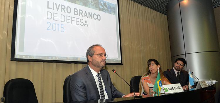 O chefe da Asplan do Ministério da Defesa do Brasil, José Celso Cardoso Jr, falou sobre a importância da troca de experiência entre países da Unasul