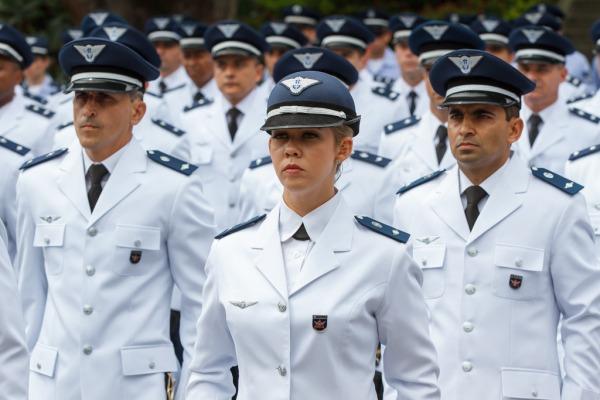 Em Belo Horizonte, escola da FAB forma 179 novos oficiais