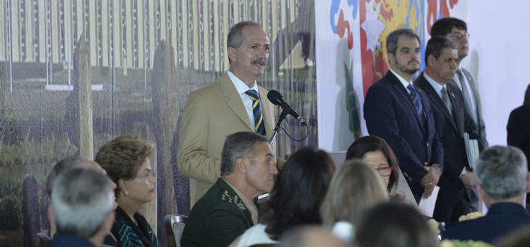 Aldo disse que as Forças carregam a dualidade das missões: defender a pátria e construir o Brasil
