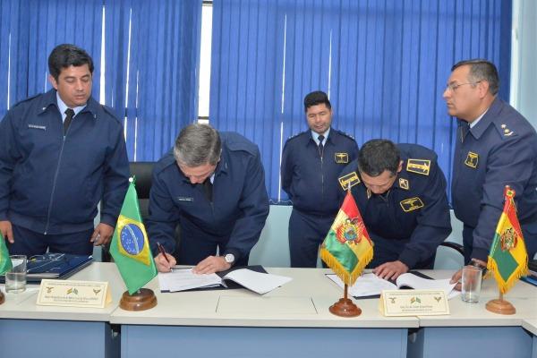 Forças Aéreas do Brasil e da Bolívia assinam Programa de Atividades Bilaterais