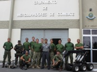Os adestramentos promoveram a troca de experiências entre as Marinhas brasielira e norte-americana