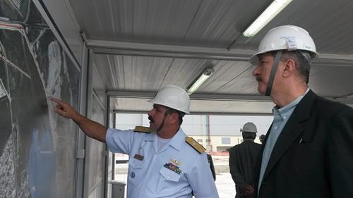 Ministro da Defesa visita instalações da Marinha do Brasil
