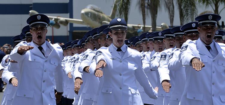 Dois cursos tiveram, pela primeira vez, mulheres em suas turmas: Eletromecânica e Bombeiro de Aeronáutica.