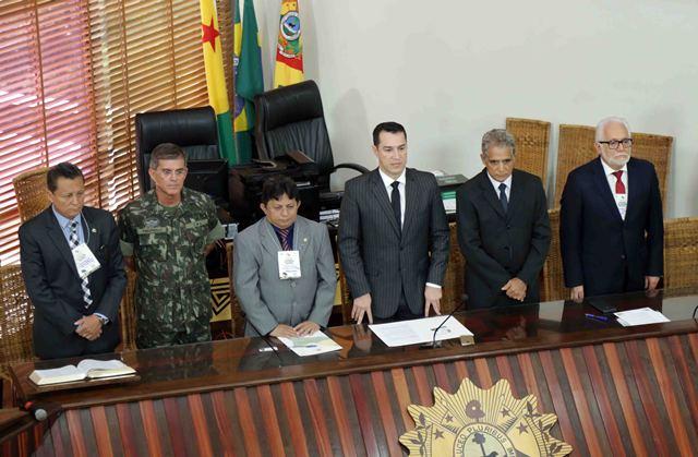 Comandante Militar da Amazônia participa de Reunião do Parlamento