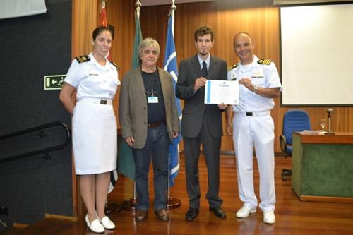 Marinha premia melhor aluno de engenharia naval da USP