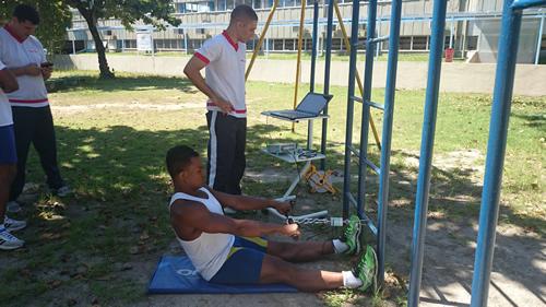 Militares do Laboratório de Pesquisa em Ciências do Exercício realizam avaliações em atletas da CBLA