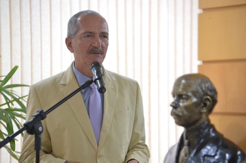 Ministro Aldo Rebelo discursa durante posse de novos secretários do MD