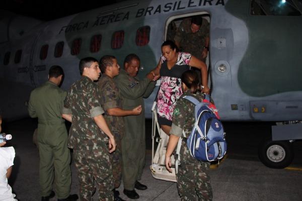 Esquadrão Arara transporta grávida que necessita de cuidados especiais