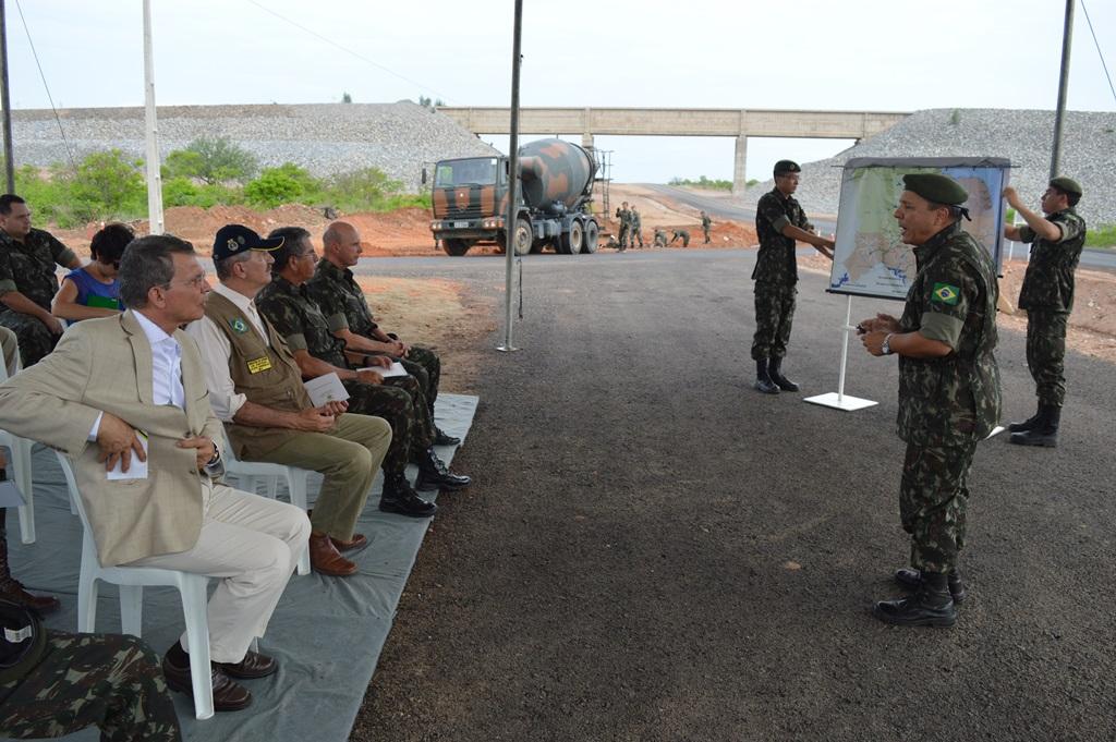 Comandante Emerson Bezerra, do 3º Batalhão de Engenharia de Construção, falou sobre os benefícios do projeto para o Exército e para a qualificação dos jovens recrutas