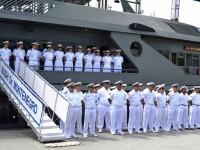 Tripulação do navio é composta por militares com formação na área da saúde