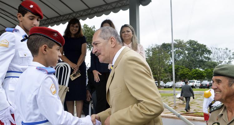 Ministro Aldo Rebelo participa da cerimônia de troca de comando dos Dragões da Independência