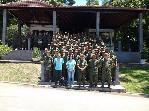 Soldados recém-formados visitam o Museu da Imigração da Ilha das Flores