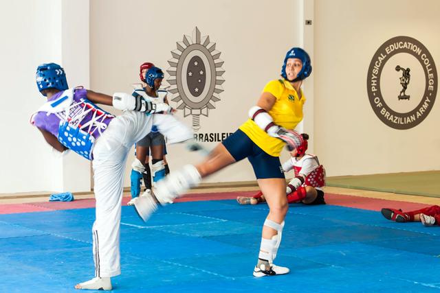 Escola de Educação Física do Exército é sede de intercâmbio de Taekwondo