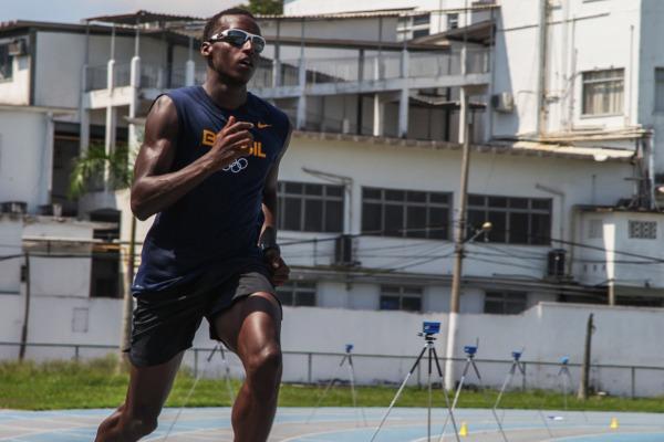 Atletas da FAB lutam por índice olímpico no Aberto de Atletismo no RJ