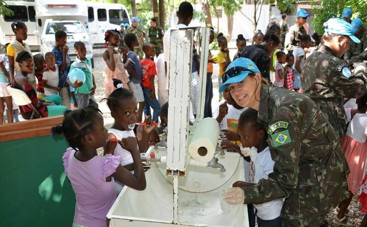 Em comemoração ao Dia da Mulher, a Minustah organizou várias atividades com militares brasileiras
