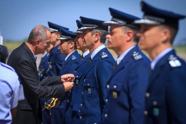 Cerimônias militares homenageiam a aviação de caça do Brasil