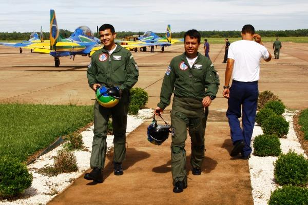 Pilotos do EDA realizam o curso de Piloto Operacional de Demonstração Aérea