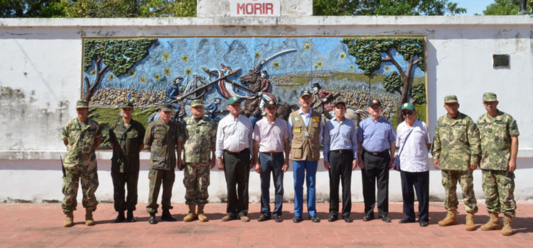 Comitiva de Defesa visita Quartel General do marechal Solano Lopez, em Paso de Patria