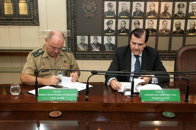 Estado-Maior do Exército e Fundação Getúlio Vargas assinam acordo de intercâmbio