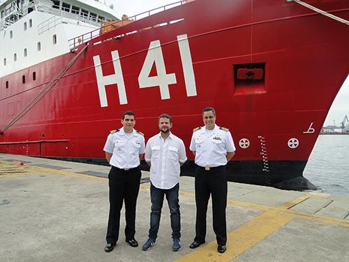 """Navio Polar """"Almirante Maximiano"""" é cenário de produção cinematográfica"""