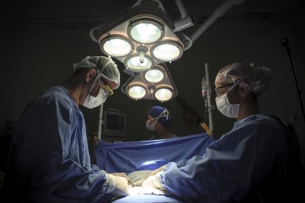 FAB lança Instruções Específicas para selecionar médicos de carreira