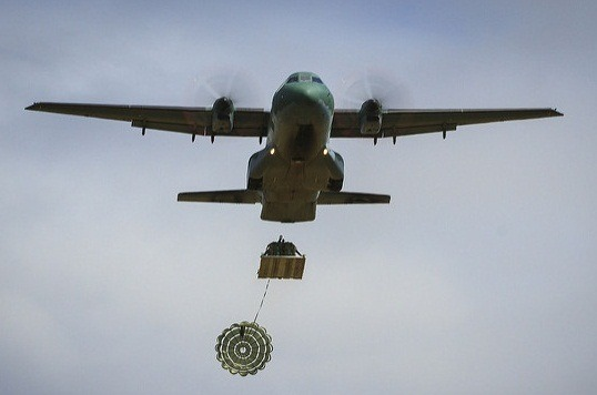Esquadrão Arara faz ressuprimento aéreo para tropa do Exército na Amazônia