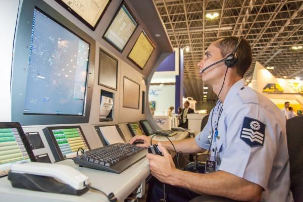Novo sistema de controle radar traz mais segurança e agilidade para tráfego aéreo