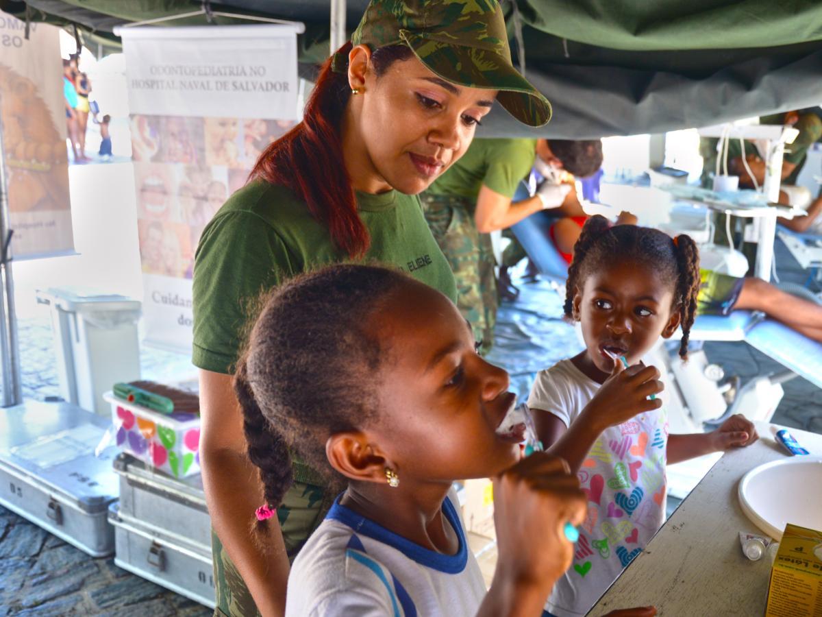 Com2°DN promove Ação Cívico-Social na Ilha de Itaparica