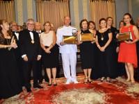 Vice-Almirante Hecht, senhora Vânia Hecht, senhora Rosa Mendonça de Brito, membros da AAL e demais homenageados
