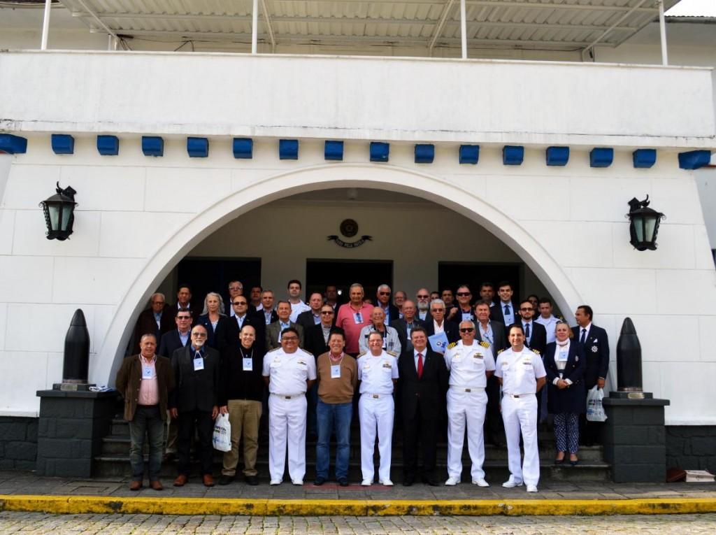 Participantes do evento na Escola de Aprendizes-Marinheiros de Santa Catarina