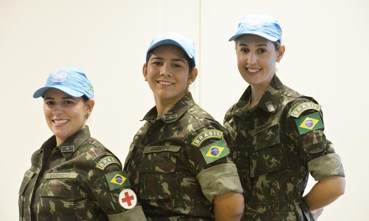 Sargento Daniella Trabach e as tenentes Rayane Guimarães e Noemi Martins irão compor o 24º Contingente