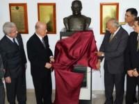 Inauguração do busto em homenagem ao patrono da aviação, V Alte Protógenes